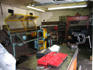Drive shaft service, drive shaft balance, custom drive shafts, MA, Meritor Neapco Spicer drive shafts, driveline parts, re-tube drive shafts, eastern MA